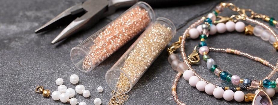 Materialer til perler og smykker
