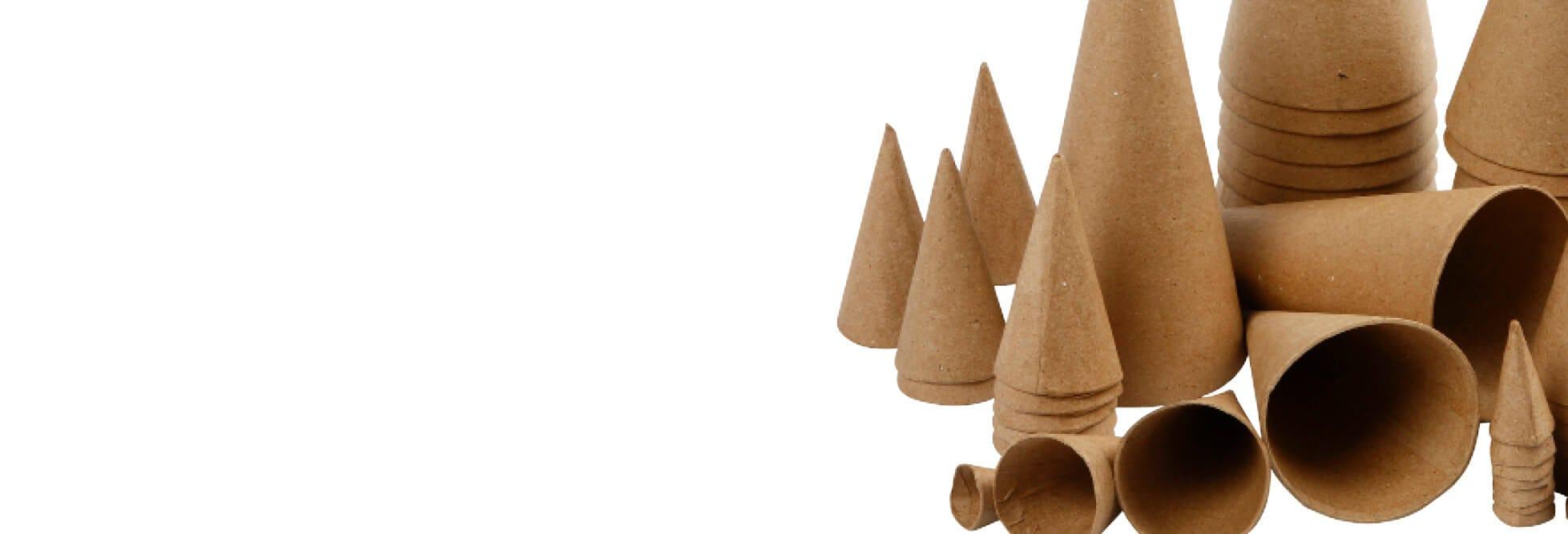 Dekorative julekjegler og kornetter