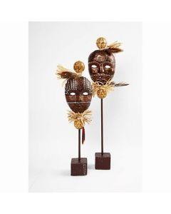 Afrikanske masker på pinne