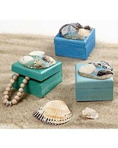 Ut i det blå og samle naturmaterialer