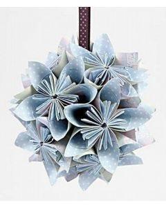 Blomsterkule brettet av papir