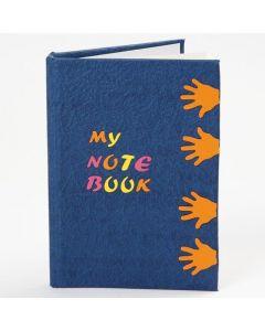 Notatbok med utstansede figurer