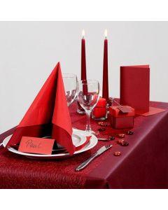 Inspirasjon til fest med rød borddekking, bordpynt m.m.