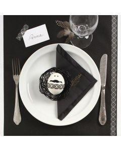 Dekking av påskebord i svart og hvit