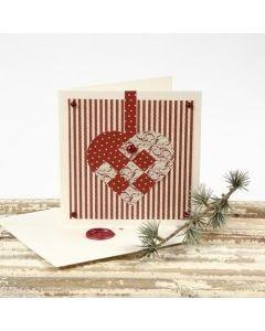 Julekort med hjerte av designpapir og konvolutt med lakksegl