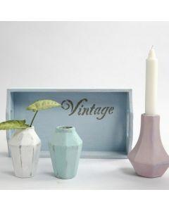 Små vaser av terrakotta malt med Chalky Vintage Look maling