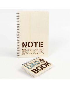 Notatbok med treomslag, dekorert med brente ord