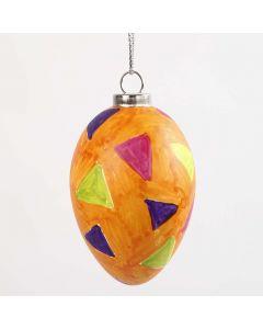 Egg med grafikk laget med glass- og porselenstusj