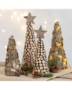 Juletre av isoporkjegle med bark og treskiver
