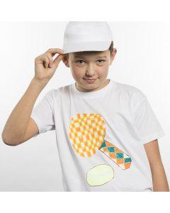 T-skjorte dekorert med tegning av sportsgren på transferark