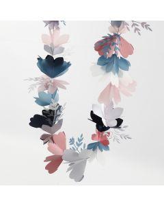 Blomsterranke av kartong og pergamentpapir