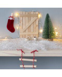 Nissedør av ispinne med repstige og julesokk som postkasse