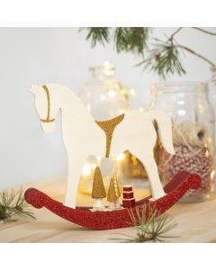 Gyngehest med miniting dekorert med hobbymaling, glitter og perler