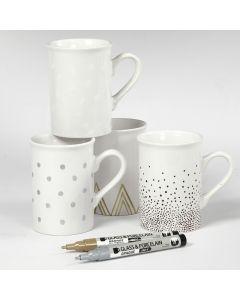 Porselenskrus dekorert med forskjellige motiver