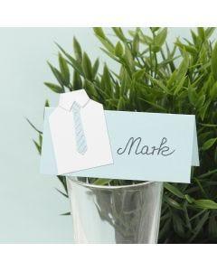 Bordkort til konfirmasjon pyntet med skjorte og slips i karton