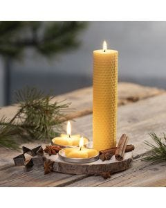 Hjemmelaget lys av naturlig bivoks