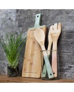 Kjøkkenredskaper av bambus malt med Plus Color hobbymaling