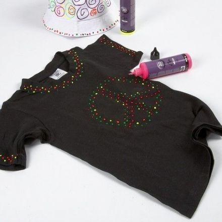 Svart T-shirt, dekorert med 3D Liner