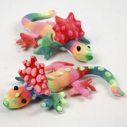 Malt stoffdyr dekorert med 3D Puff liner