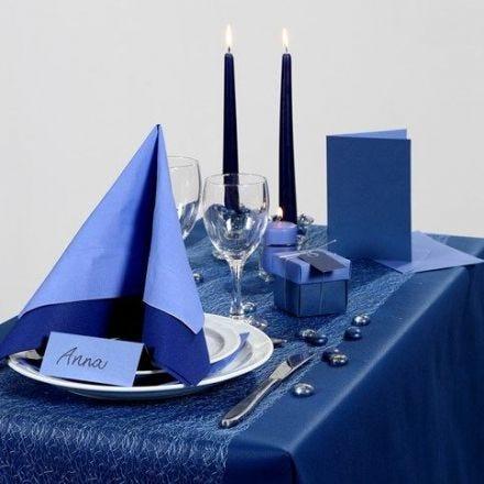 Inspirasjon til fest med blå borddekking, bordpynt m.m.