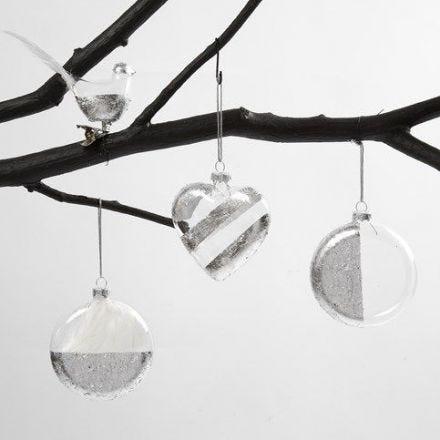 Fugl, hjerte og kule av glass - dekorert med bladsølv