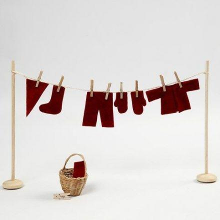 Tørkestativ med nissens klesvask i miniatyr