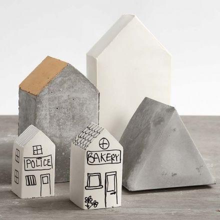 Hus støpt i sett-sammen-selv former