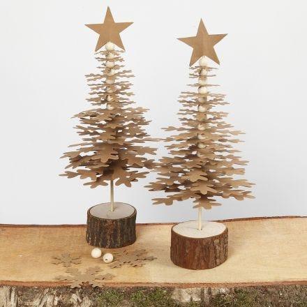 Juletrær i utstanset lærpapir