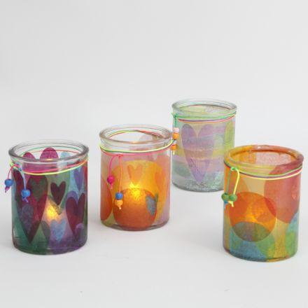 Lysglass pyntet med silkepapir
