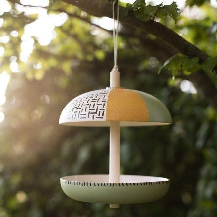 Fuglekasse av bambusfiber dekorert med Plus Color hobbymaling