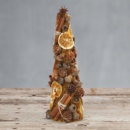 Kjegle dekorert med sisal og naturmaterialer