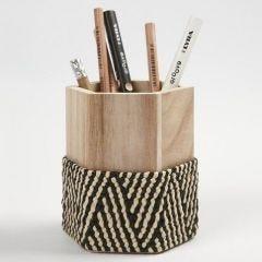 Bastfletting på blyantholder
