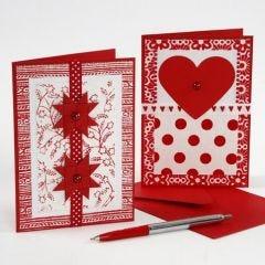 Julekort med pynt av håndlagd papir