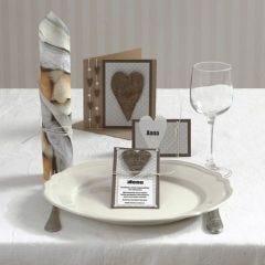 Festinvitasjon og kort med hjerte av bark og halvperler