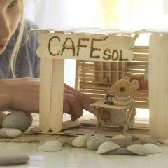 Cafe og interiør av ispinner