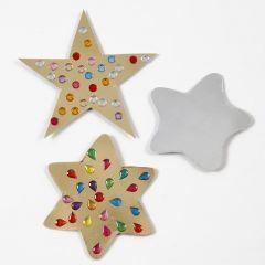 Stjerner av gull- og sølvfolie pyntet med rhinstein