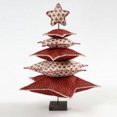 Juletre av filtstjerner på metallstang med fot