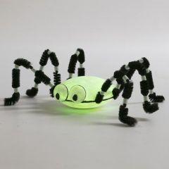 Stor edderkopp med selvlysende effekt