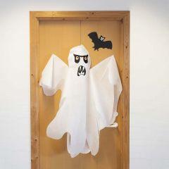 Stort spøkelse i imitert stoff