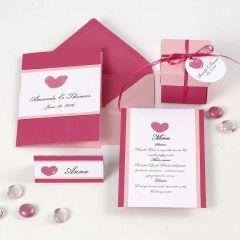 Innbydelse, bordkort, menykort og bordpynt i pink og rosa