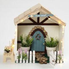 Lite fe hus i bokkasse
