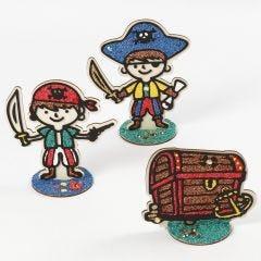 Pirater og skattekiste i tre kledd med Foam Clay
