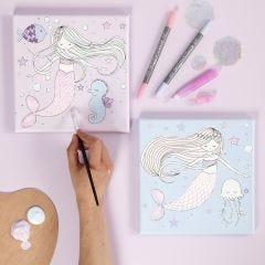 Malerlerret med havfruemotiv fargelagt med tusj og glitterlim