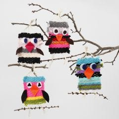 Vevde fugler av maxi akrylgarn med detaljer av filt
