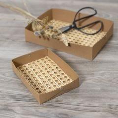 Lag brett selv av lærpapir dekorert med rørflett
