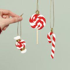 Godteri av  juleoppheng laget av Foam Clay