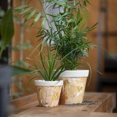 Marmorert urtepotteskjuler av bambusfiber
