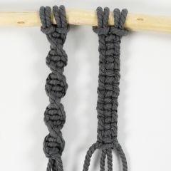 Slik knytter du enkelt- og dobbeltknute (Half and Square Knot)