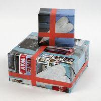 Gaveinnpakning i papir med manillainspirert collage