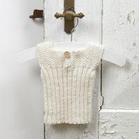 Strikk til baby - undertrøye av myk merinoull babygarn